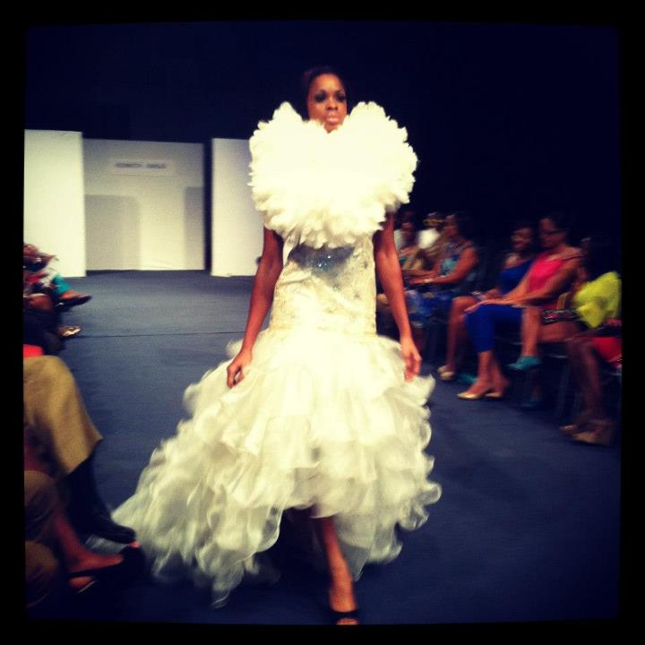 gown by Kenneth Barlis (photo credit: Club Fashion TV)