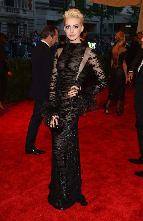 BEST DRESSED: Anne Hathaway in Valentino Couture